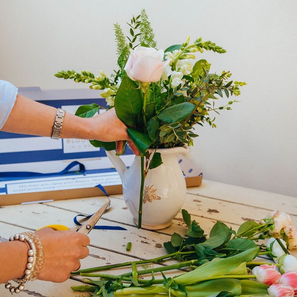 Arrange your own flowers with Blooms in a Box letterbox flowers