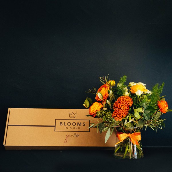 Shop letterbox flowers hand selected bouquet fresh delivery